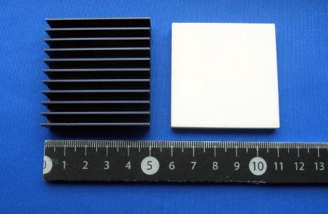 セラミックスヒートシンクN-9HによるFPGAの熱対策